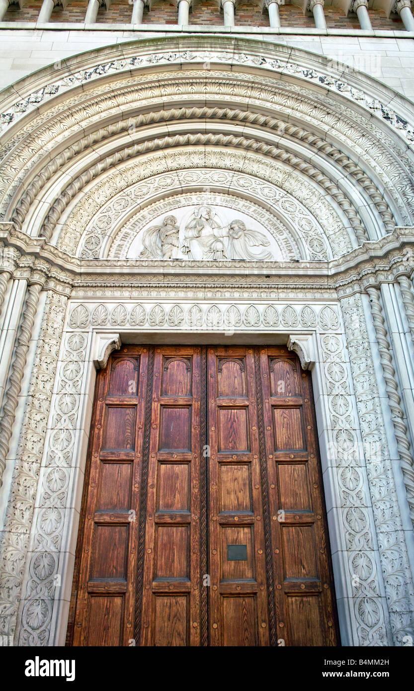 Soglia Marmo Porta Ingresso un grande di legno scolpito e porta gli ornati di soglia di