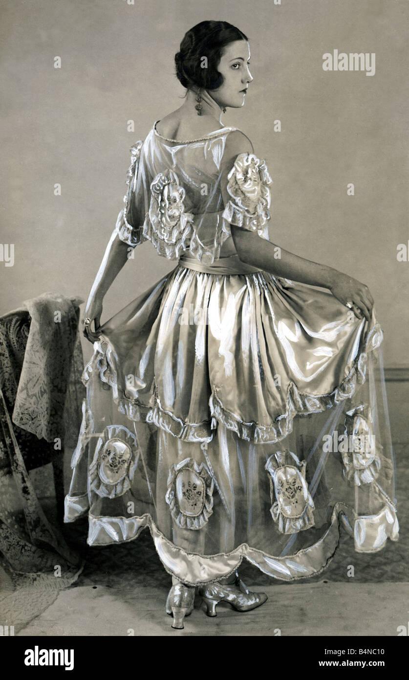Abiti Da Sera 1920.Moda 1920 Abito Da Sera Marzo 1923 Giovani Ragazze Tonaca Con
