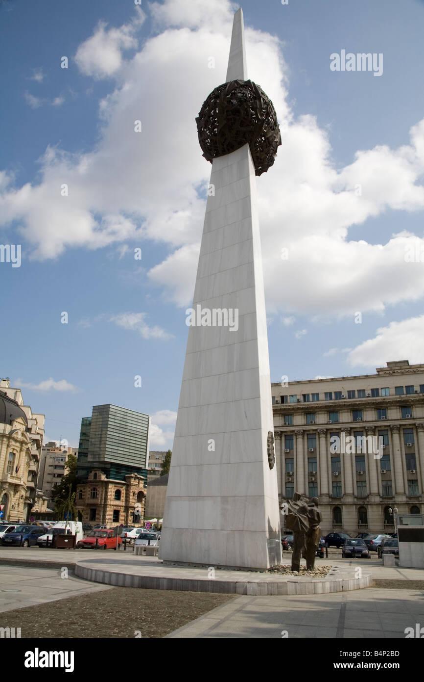 Bucarest Romania UE il monumento della Rivoluzione nella Piazza della Rivoluzione è il memoriale di quelli Immagini Stock
