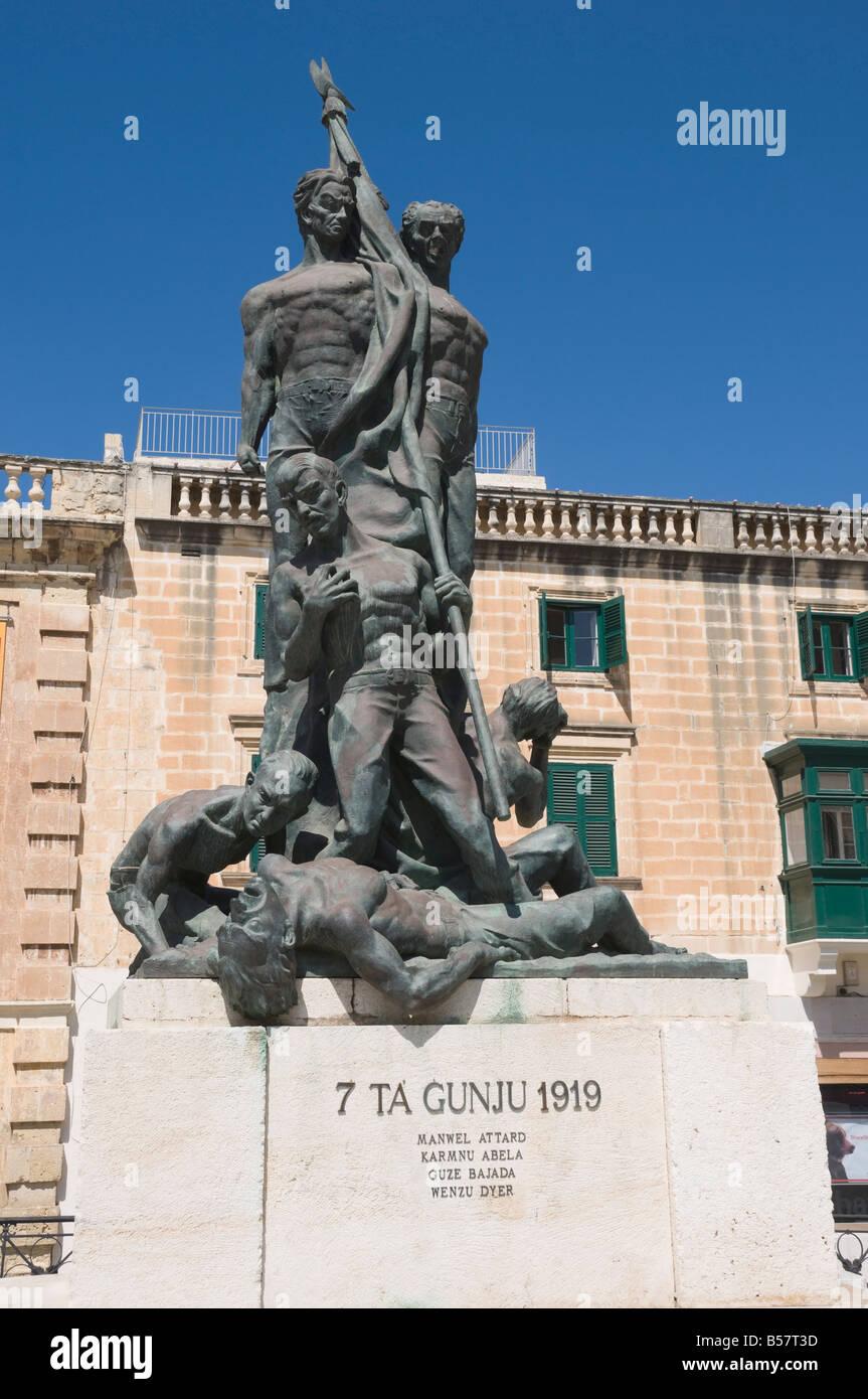 Statua raffigurante il Sette Giugno disordini del 1919, La Valletta, Malta, Europa Immagini Stock