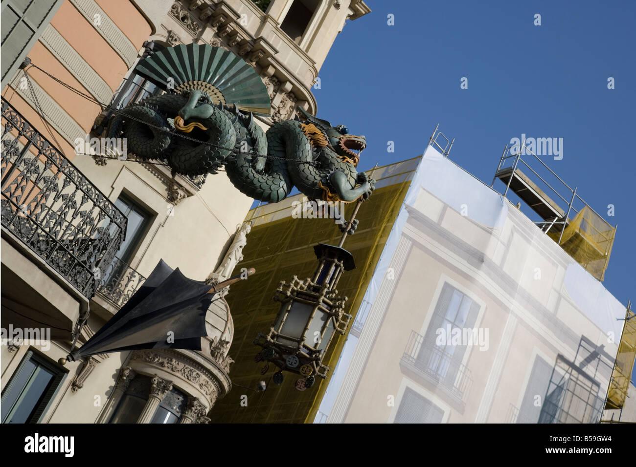 L'ombrello edificio su Las Ramblas, Barcelona, Spagna Immagini Stock