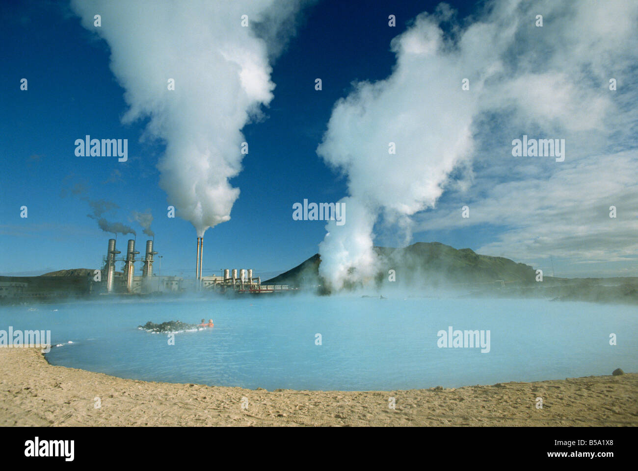 Geo-centrale a energia termica nella zona di Svartsengi, Svartsengi, Islanda Immagini Stock