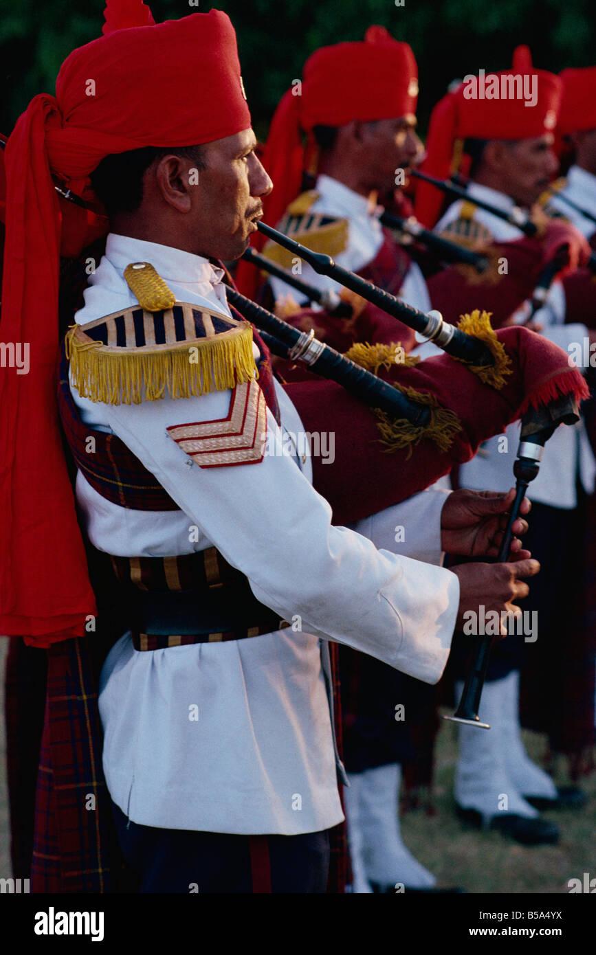 Pifferi e Tamburi band Rajput Reggimento Rajasthan India Asia Immagini Stock