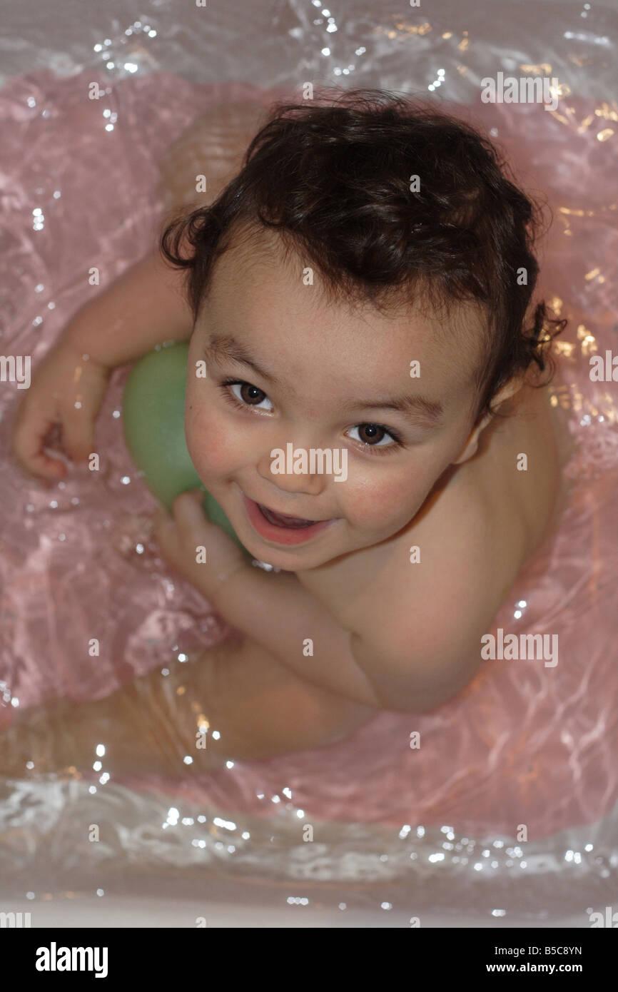 Bambino in acqua Immagini Stock