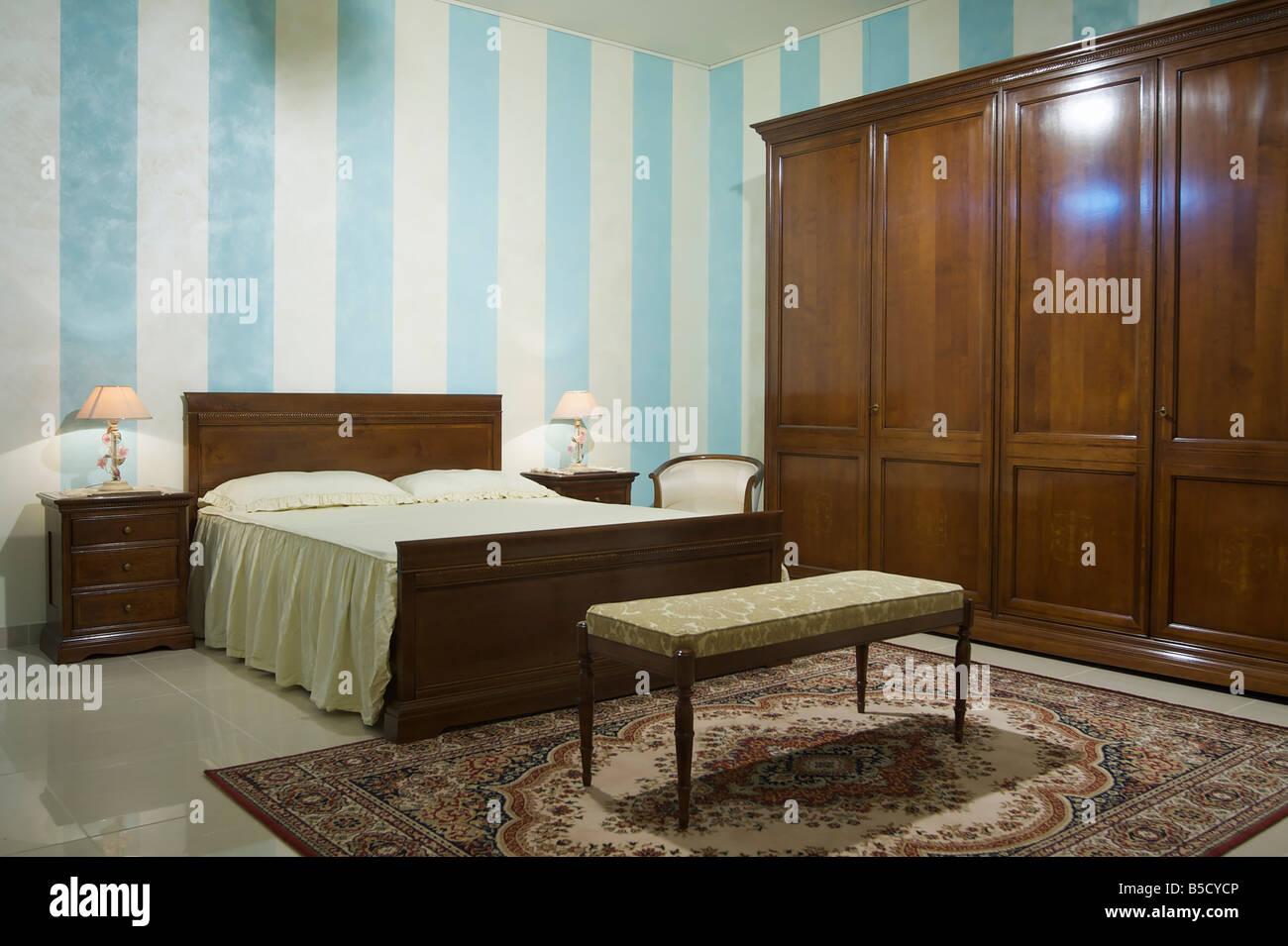 Riscaldare la camera da letto classica Foto & Immagine Stock ...