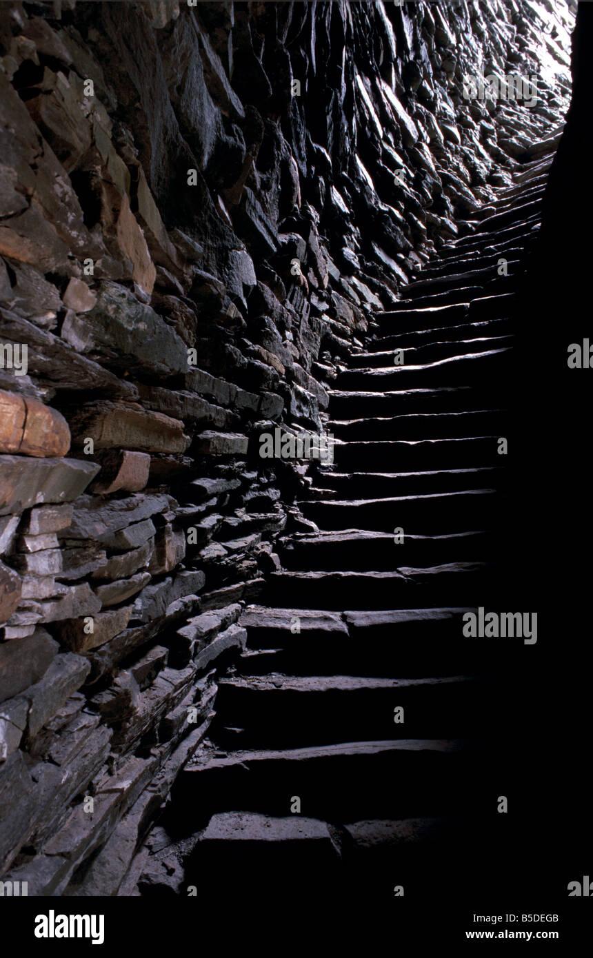 Scale nella parete cava, Mousa Broch, a causa del suo isolamento, Mousa isola, isole Shetland, Scozia Immagini Stock