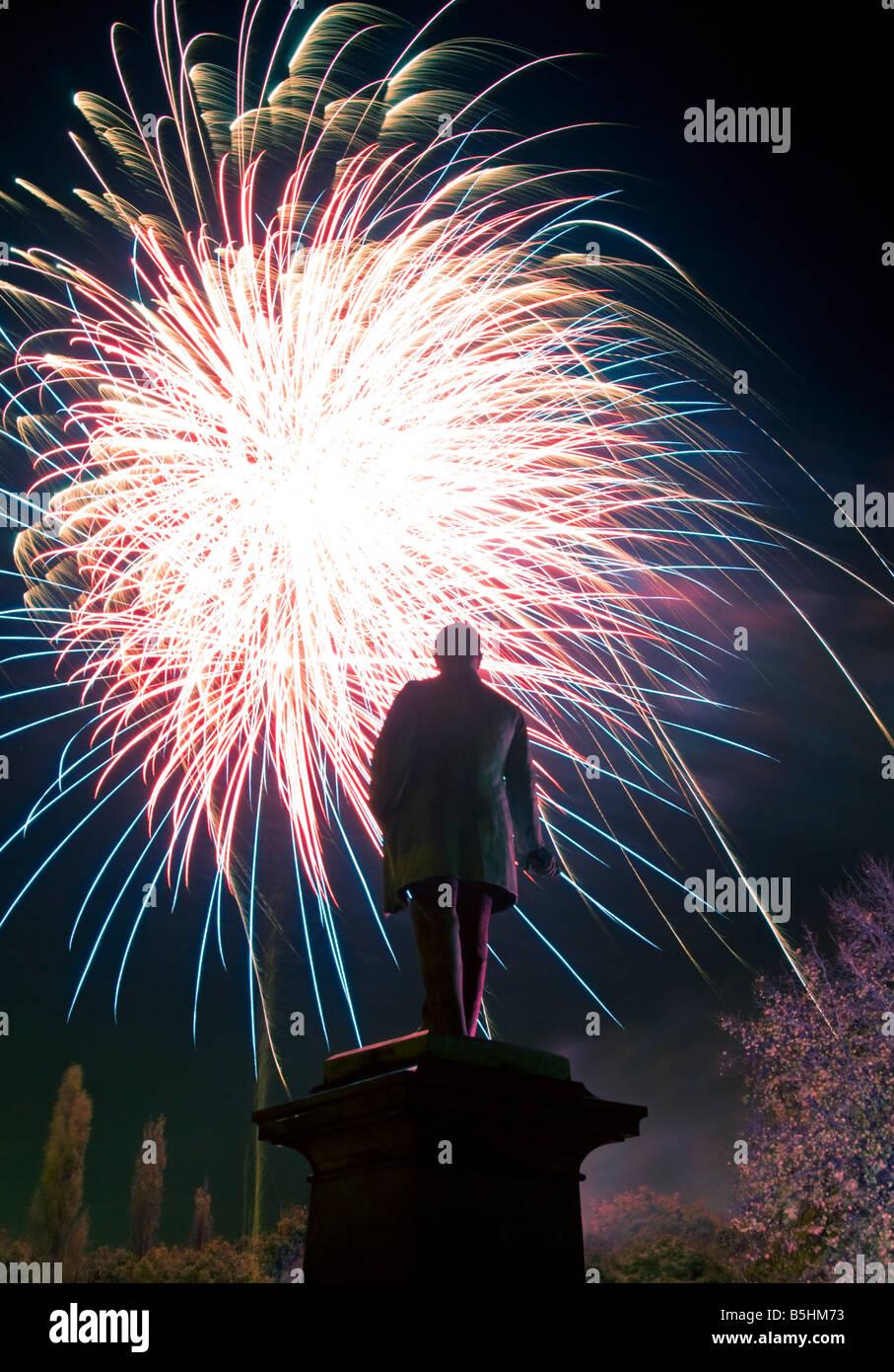 I fuochi d'artificio in Northwich, Cheshire, Inghilterra, Regno Unito Immagini Stock