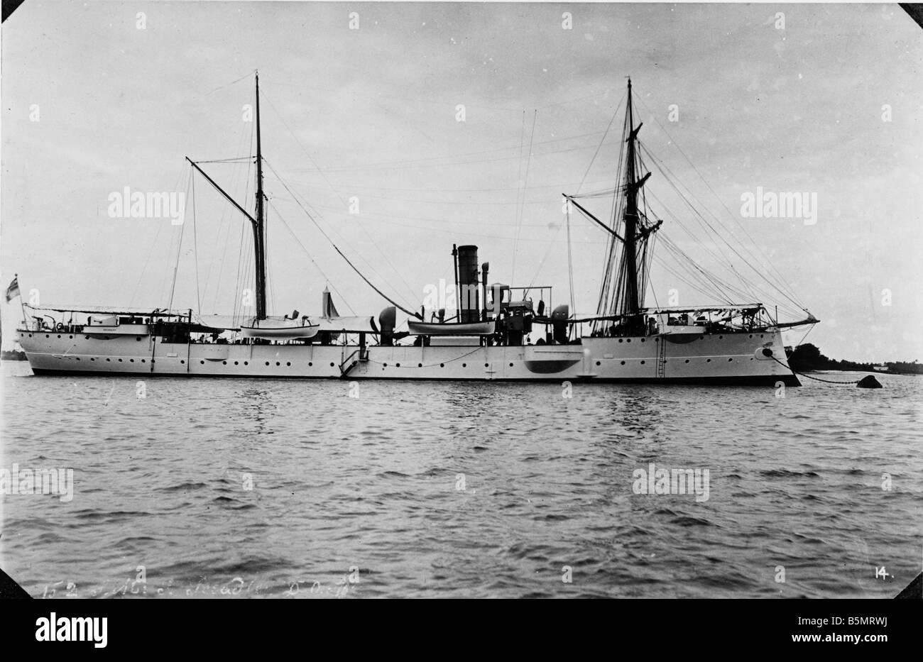 9AF 1914 0 0 A8 2 S M S Seeadler Daressalam Photo German East Africa Tanzania ora come una colonia tedesca 1884 1920 S M S Seeadler in Foto Stock