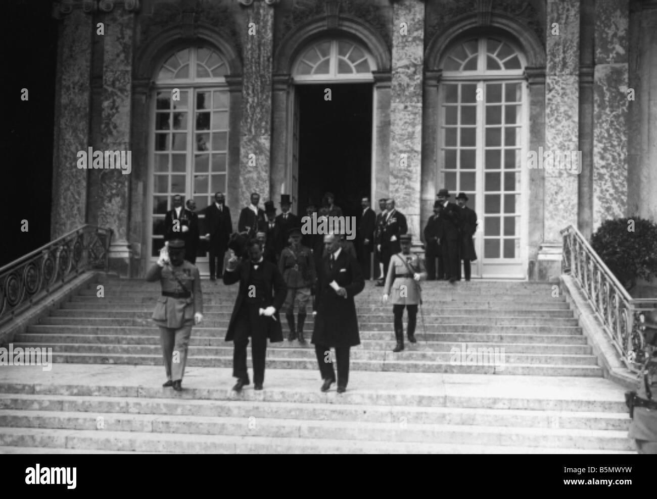 9ONU 1920 6 6 4 A1 1 e trattato di pace di Trianon 1920 Foto trattato di pace di Trianon 4 giugno 1920 del trattato Immagini Stock