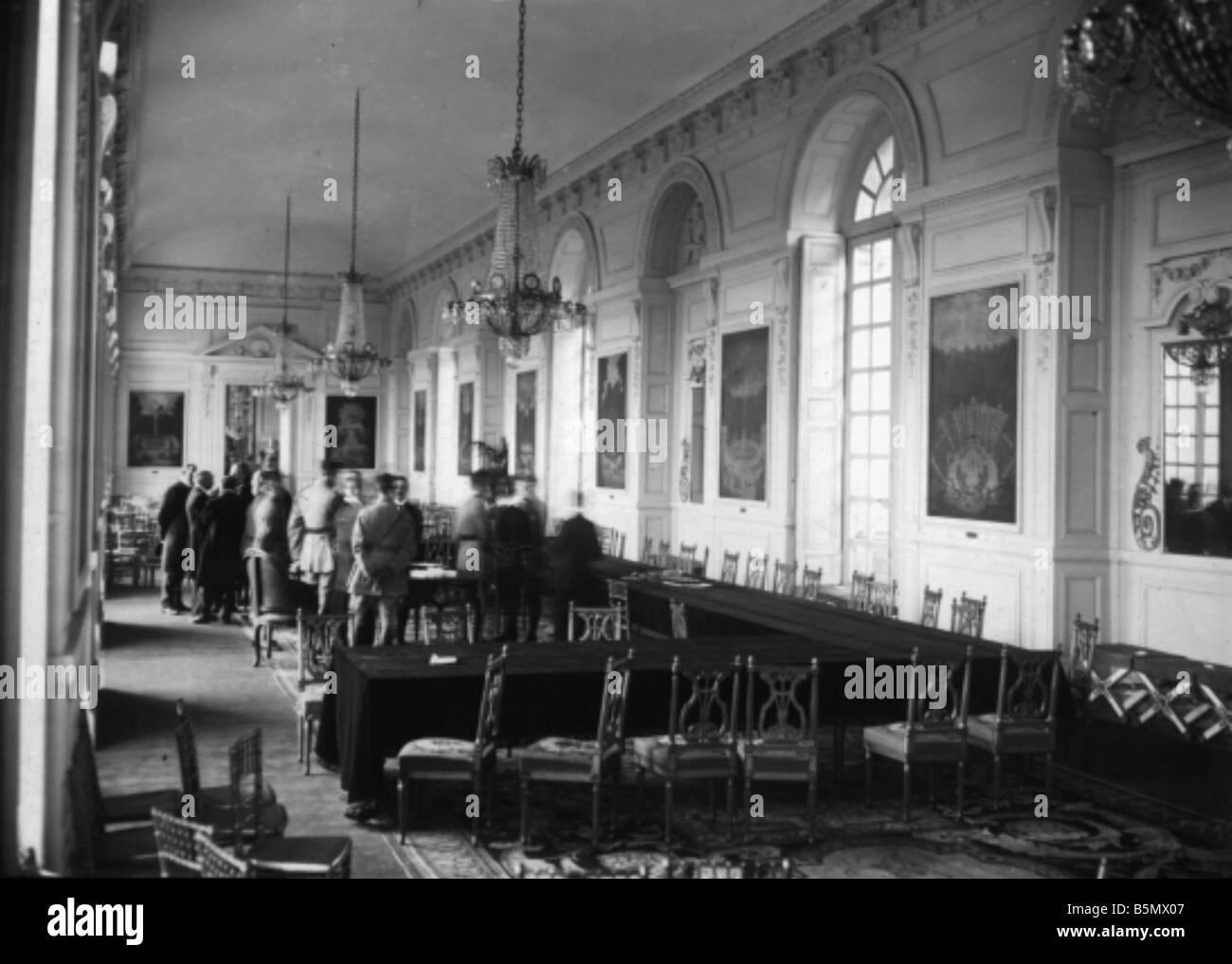 9ONU 1920 6 6 4 A1 e trattato di pace di Trianon 1920 Foto trattato di pace di Trianon 4 giugno 1920 trattato tra Immagini Stock