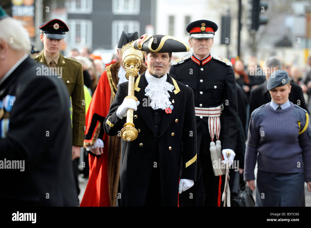 Il macis portatore conduce al Sindaco per l atto di servizio ricordo a Brighton Regno Unito Foto Stock