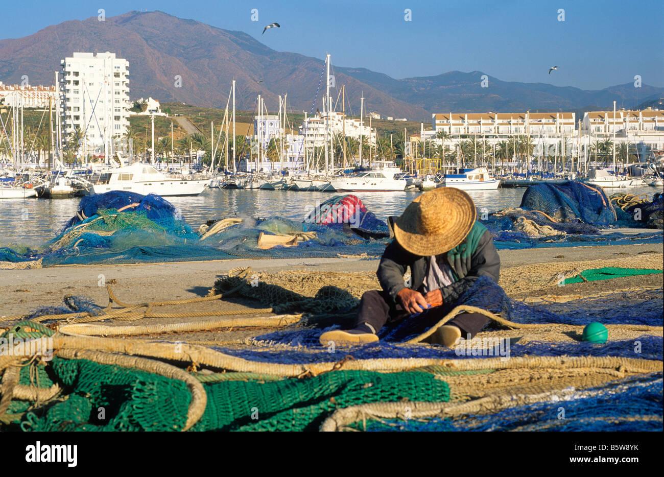 Porto di Estepona, fisherman reti Marina Costa del Sol tavel in Spagna Mare Mediterraneo. Immagini Stock