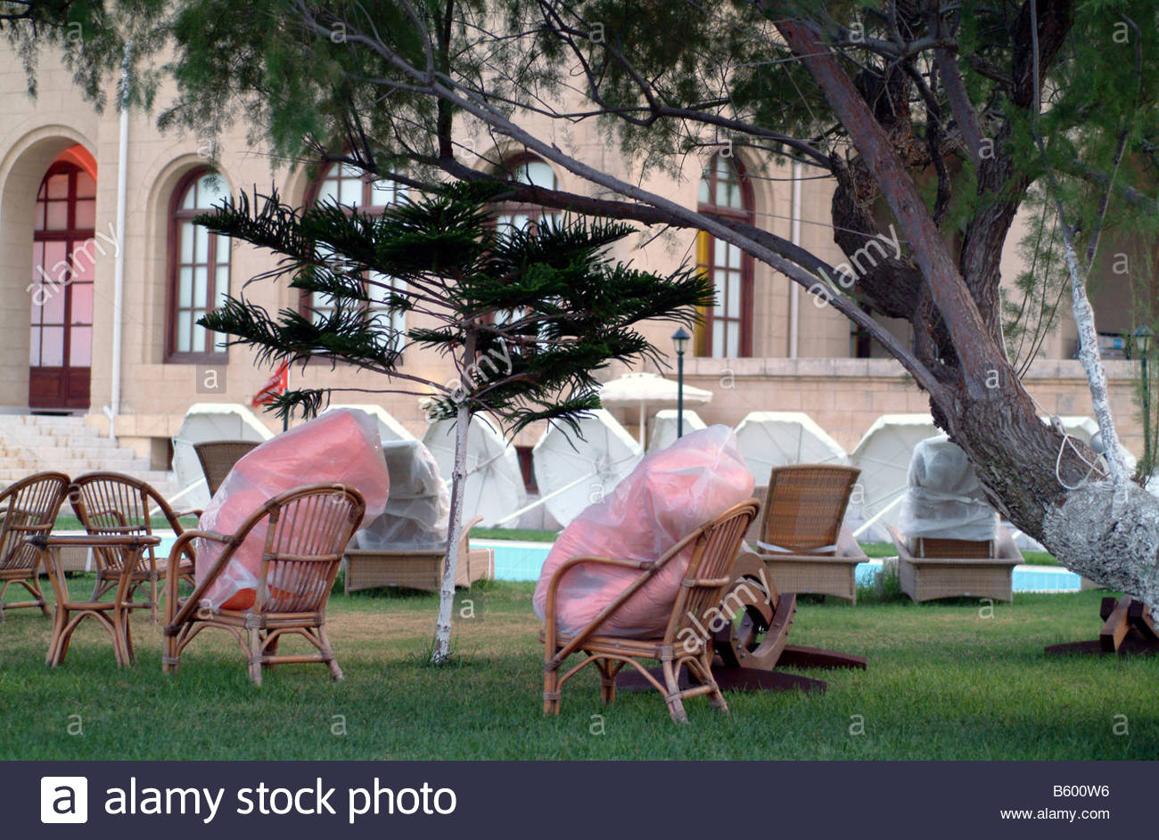 Sedia sdraio fuori all aperto giardino rosa erba pew sede poltrone