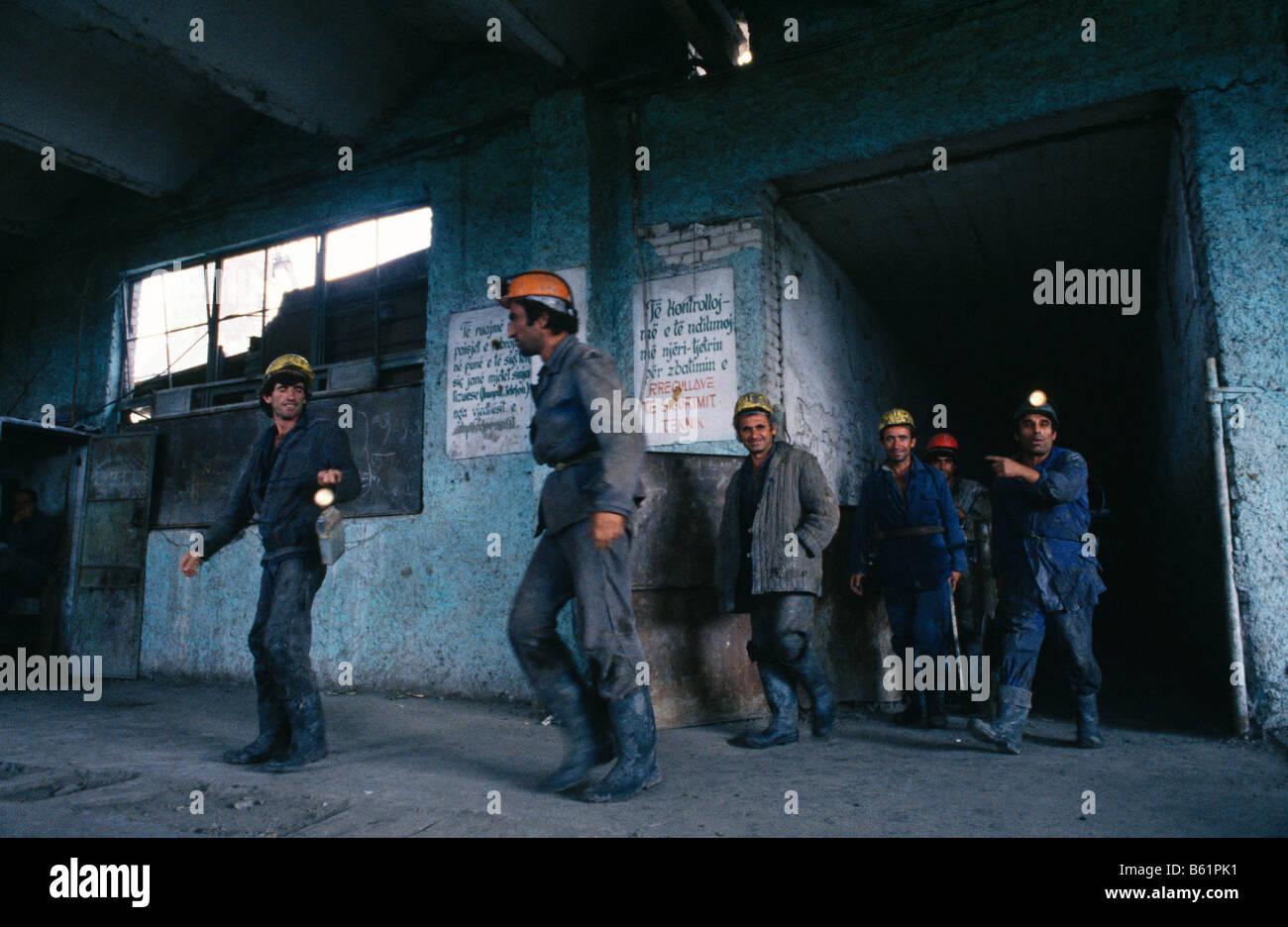 Minatori del carbone in ingresso al mio albero, Albania 1992 Immagini Stock