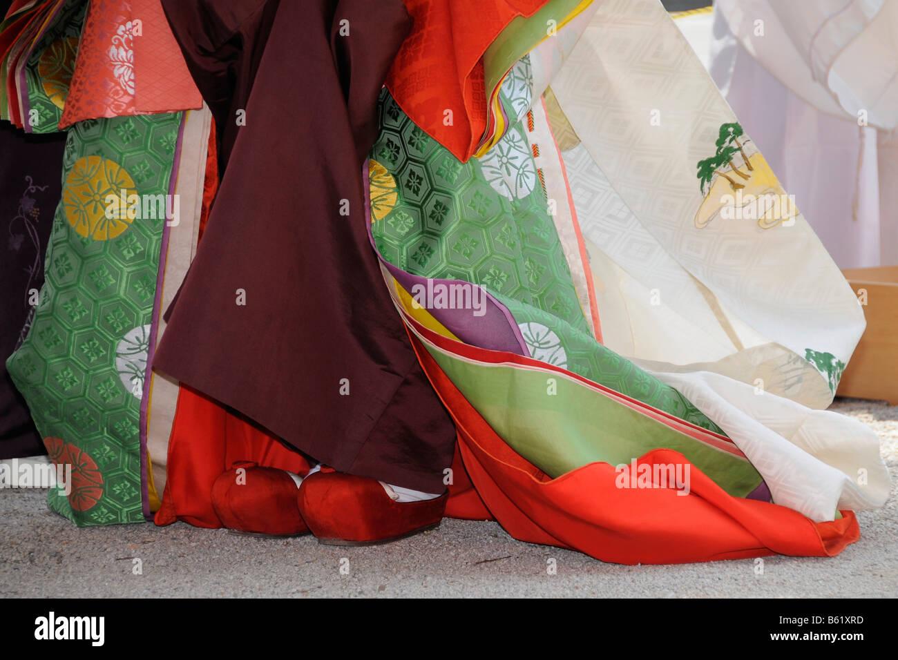 Le scarpe e la sezione inferiore del kimono del saio dai, il carattere centrale dell'AOI Matsuri, Aoi Festival, Immagini Stock