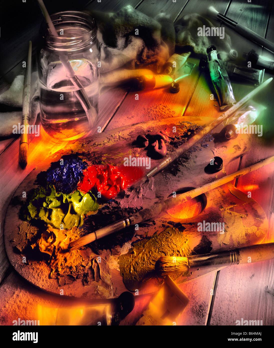 Vernici a olio e una tavolozza di artisti in un artists studio Immagini Stock