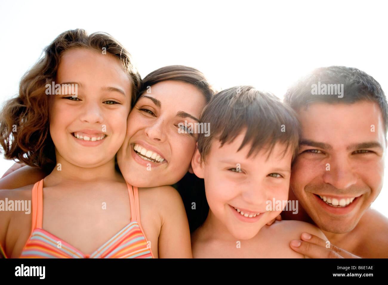 Ritratto di famiglia sorridente Foto Stock