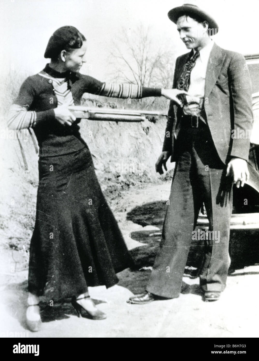 6 dimensioni! FUORILEGGE Bonnie Parker di Bonnie e Clyde GANG POSTER FOTO COLORATA