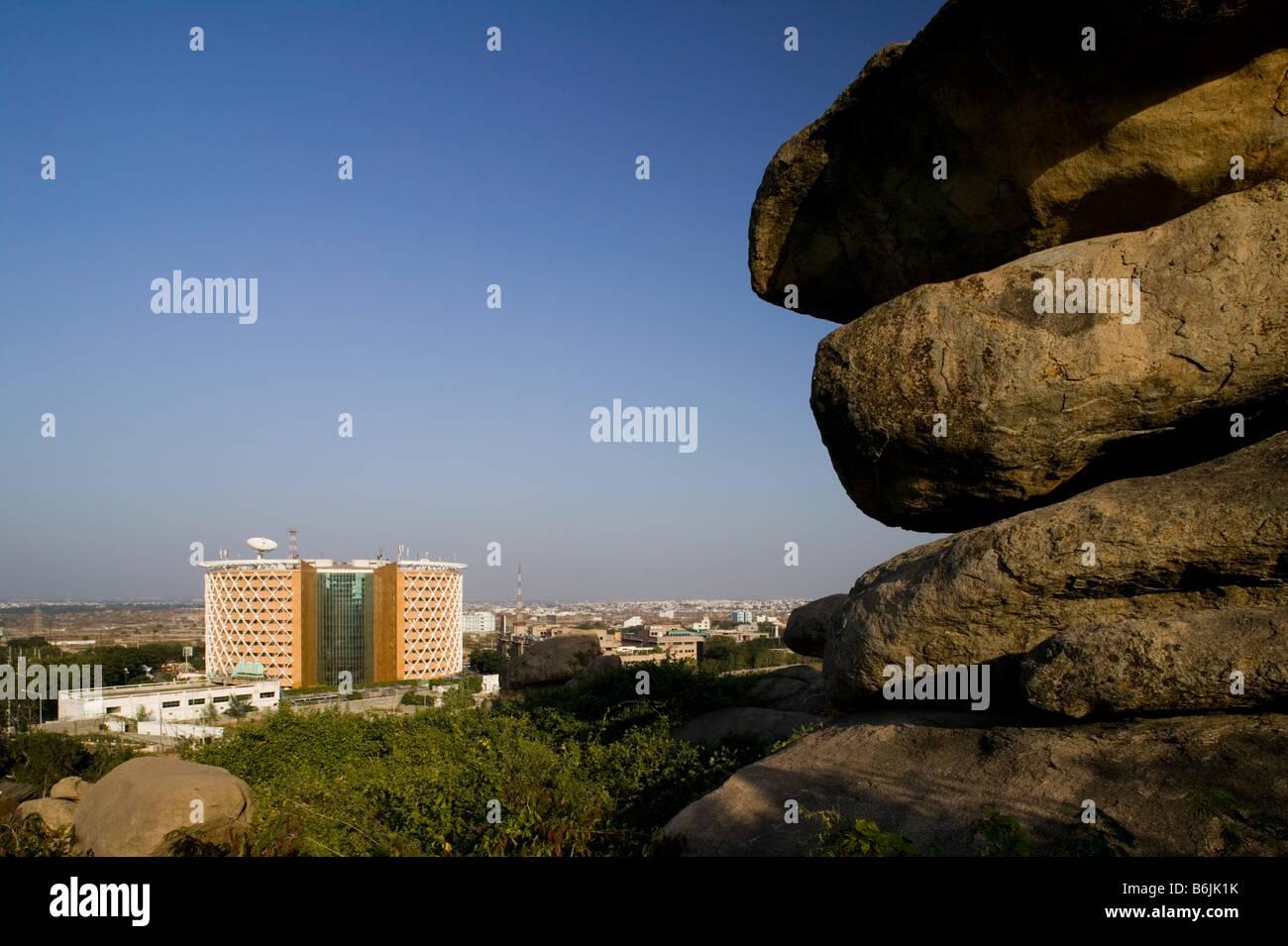 INDIA Andhra Pradesh, Hyderabad: Hitec City, centro importante di Indian Software Call Center industria. Cybertower Immagini Stock