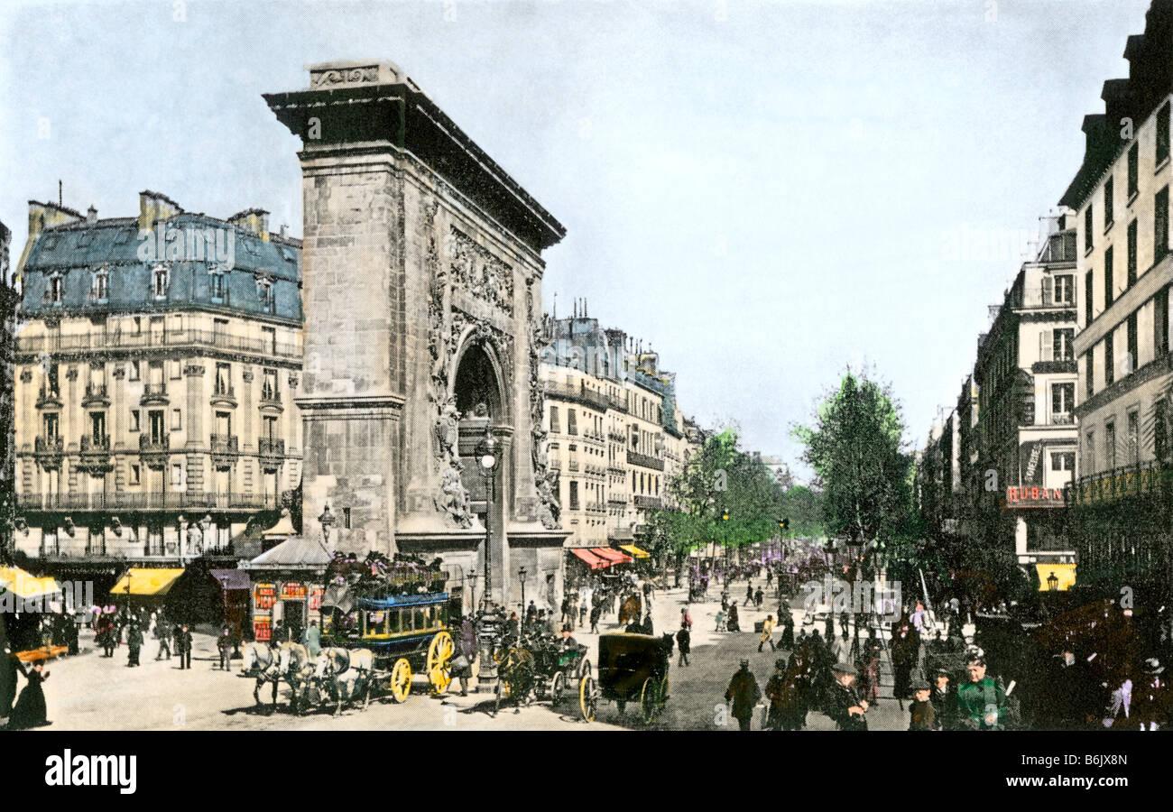 Il traffico della strada intorno a Porte Saint-Denis Parigi circa 1900. Colorate a mano i mezzitoni di una fotografia Foto Stock