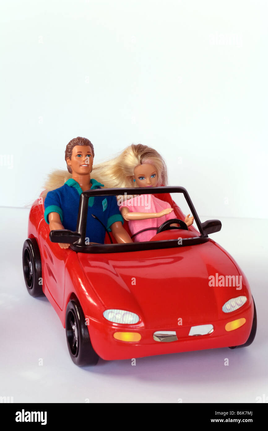 Barbie e Ken bambole Barbie auto Foto \u0026 Immagine Stock: 21321458