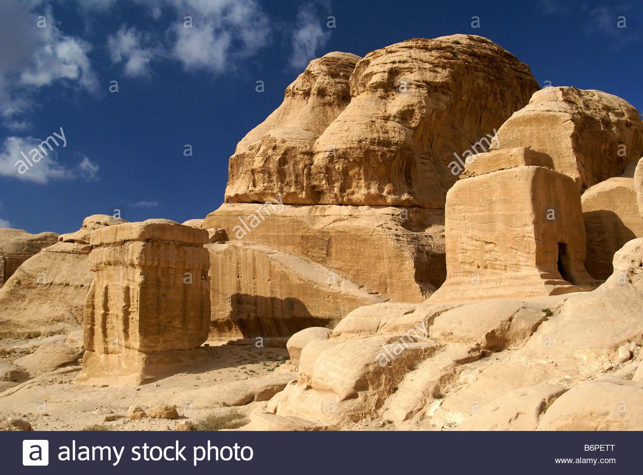 Blocchi di Djinn - antiche tombe di Petra in Giordania Immagini Stock