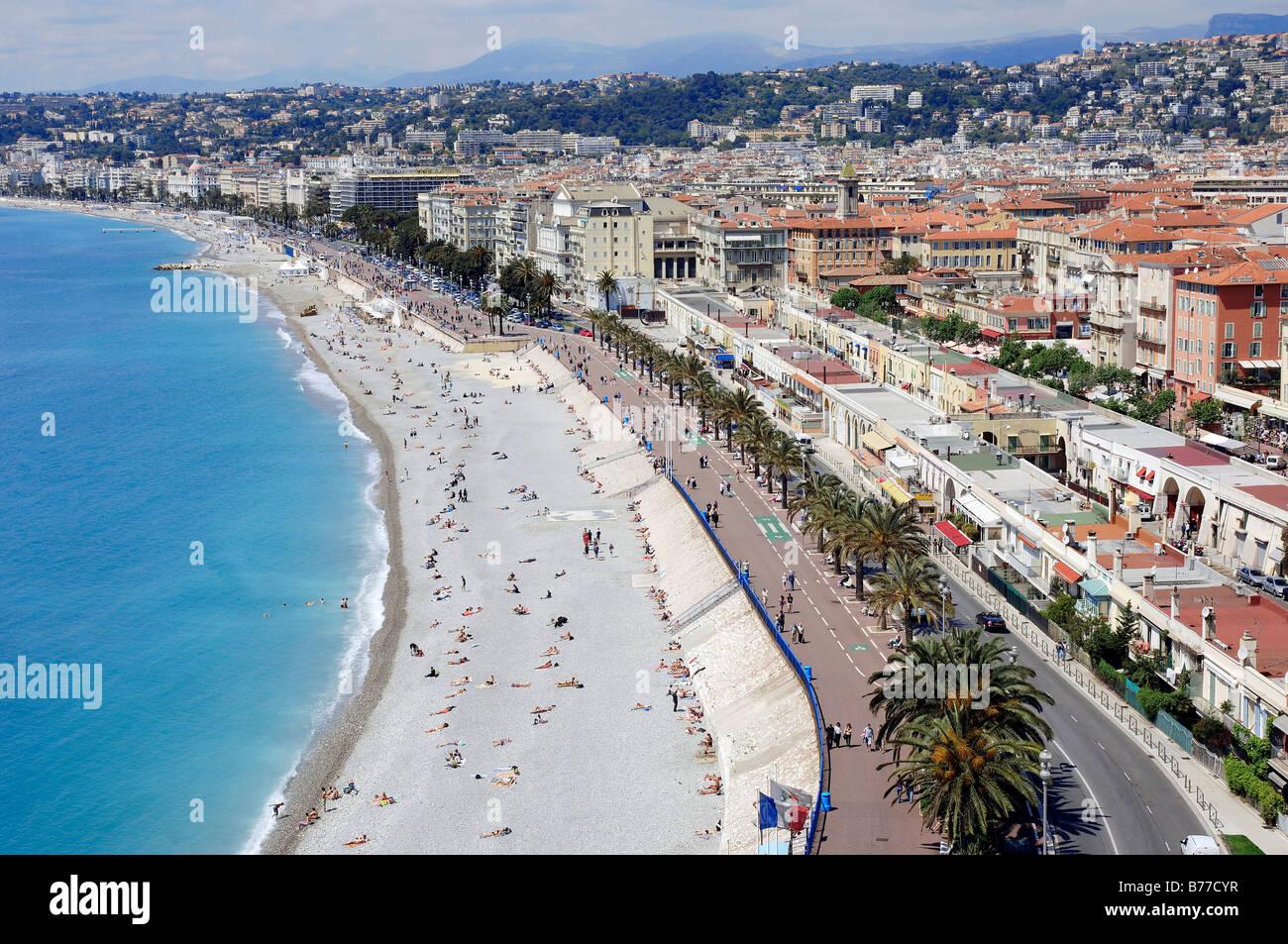 La spiaggia e il lungomare, Promenade des Anglais, Nice, Alpes-Maritimes, Provence-Alpes-Côte d'Azur, in Immagini Stock