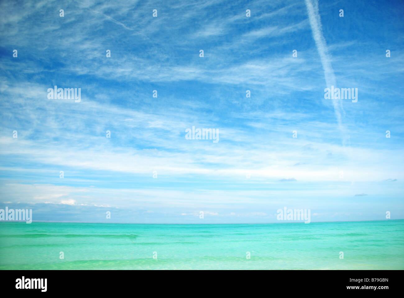 Oceano e cielo Immagini Stock