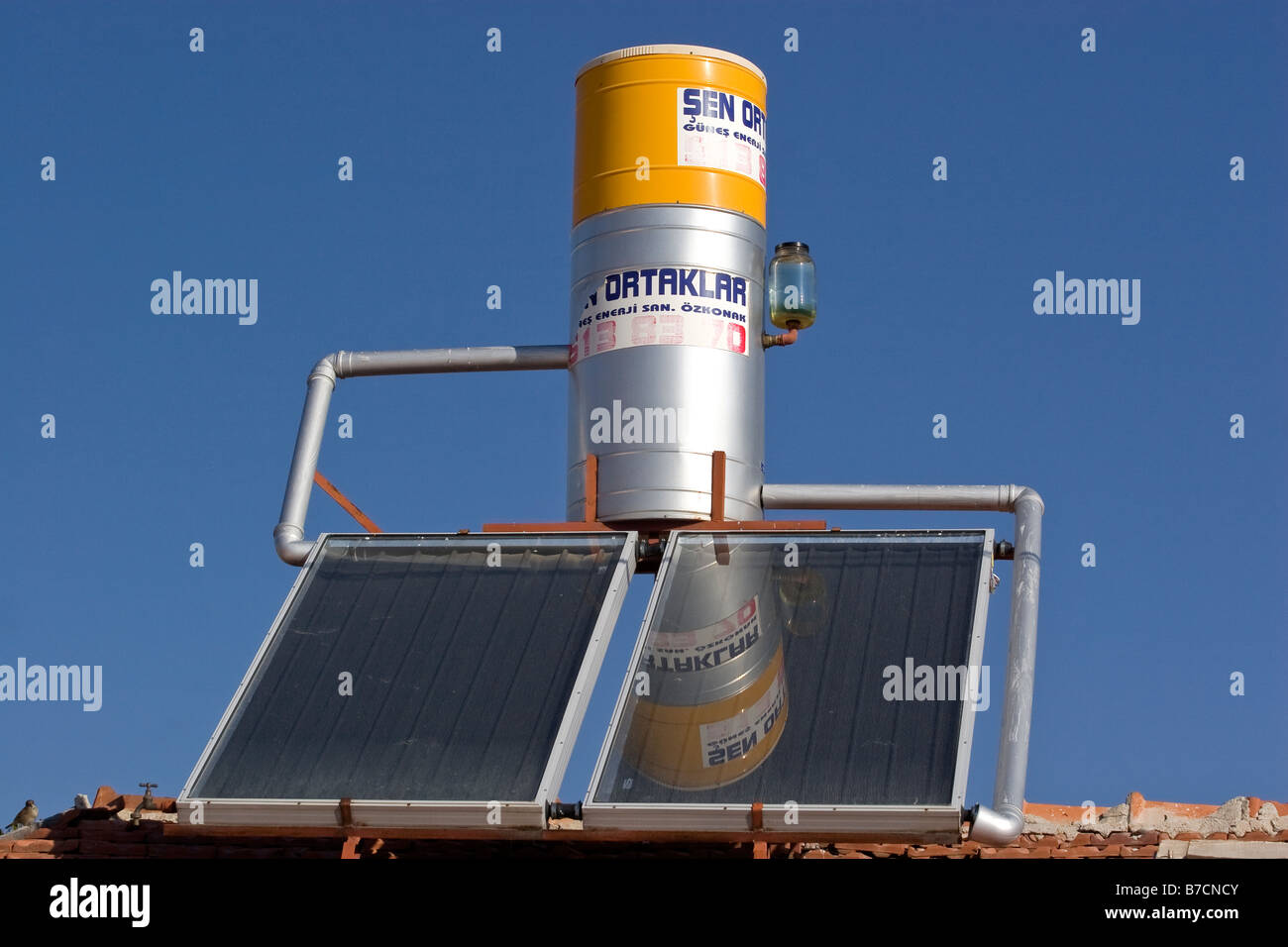 Solare di acqua impianto di riscaldamento Immagini Stock