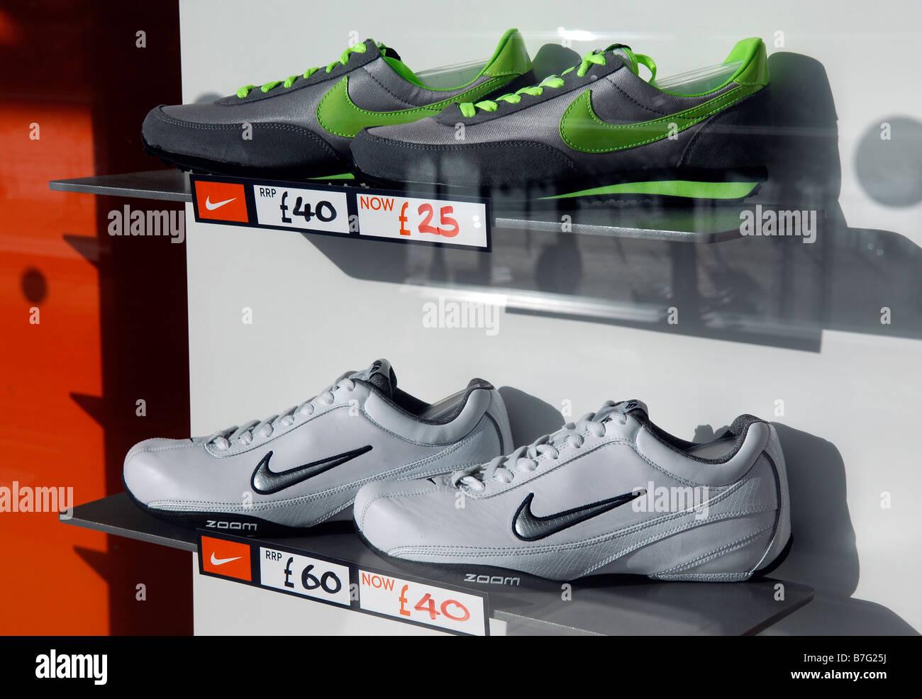 Nike Trainer calzature scarpe da ginnastica la finestra di visualizzazione  ridotti azienda americana di moda negozio 6c2bdd6cbe6