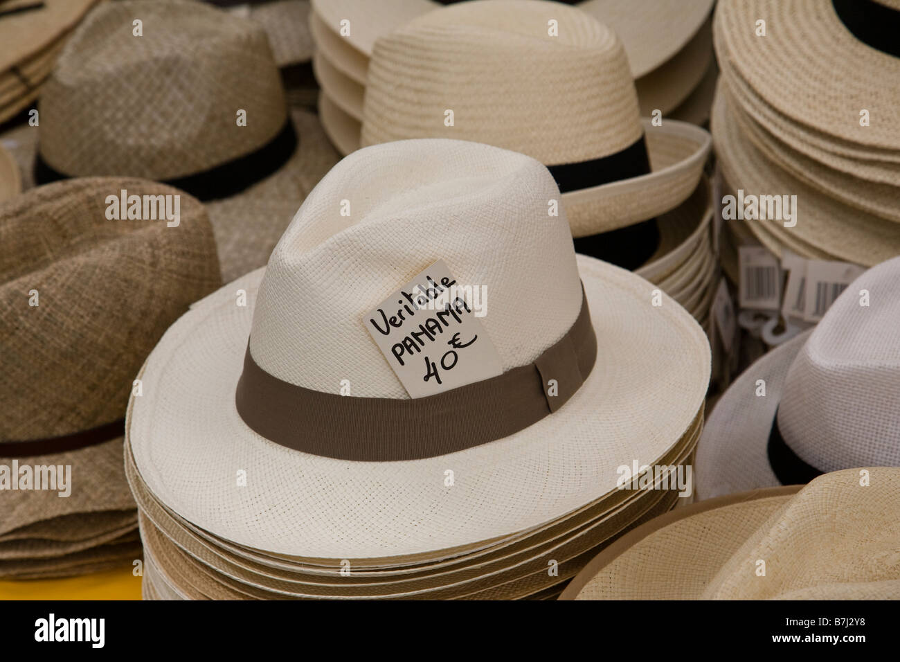 Panama Hats Market Stall Immagini   Panama Hats Market Stall Fotos ... eb8ee29e6107