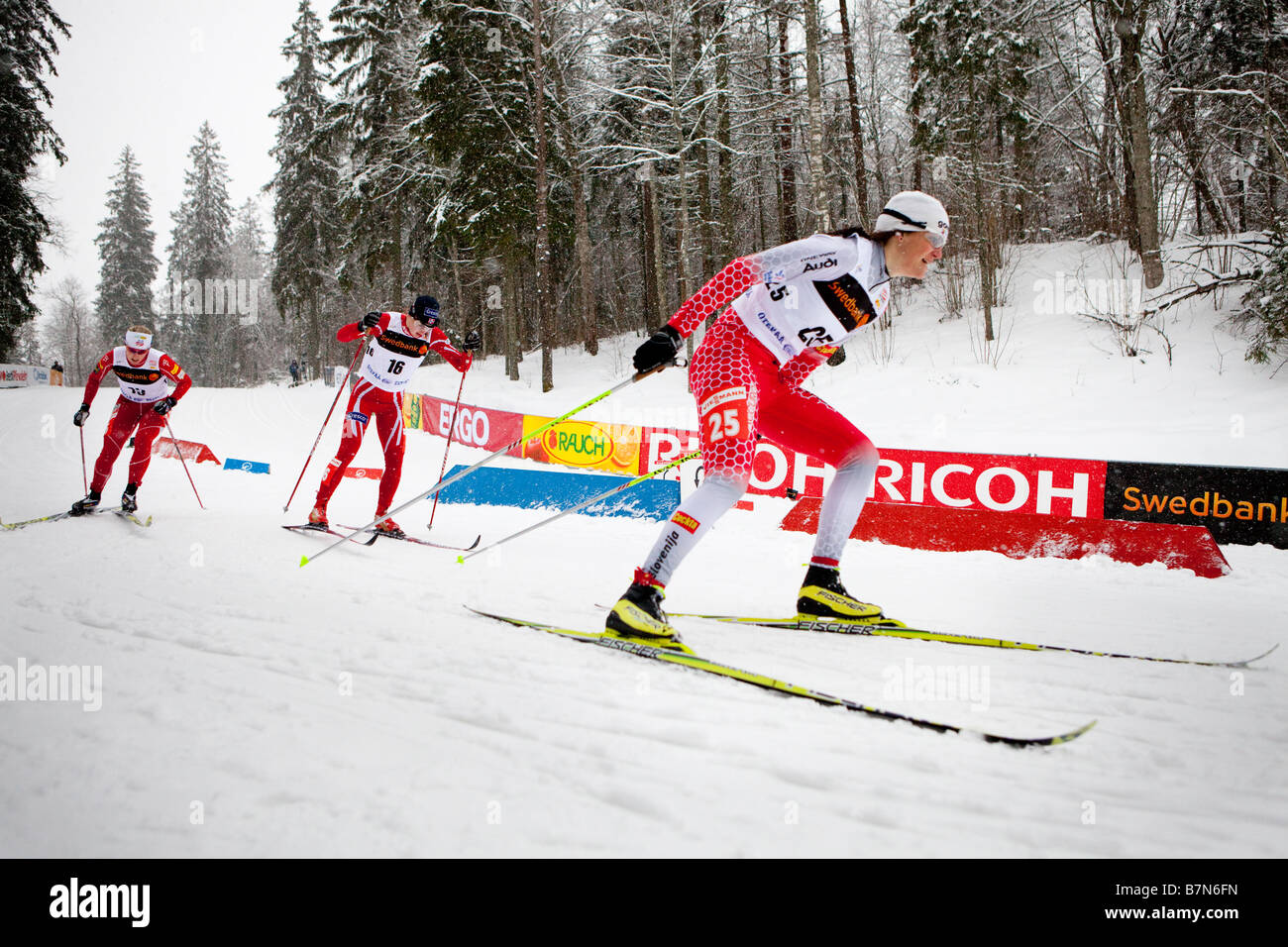 Katja Visnar accelerare da un giro in donne sprint classic Immagini Stock