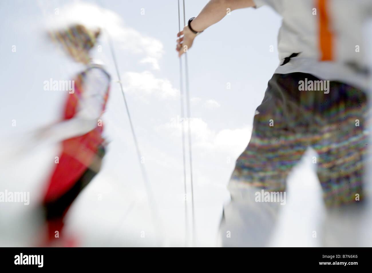 2 marinai sailing yacht Immagini Stock