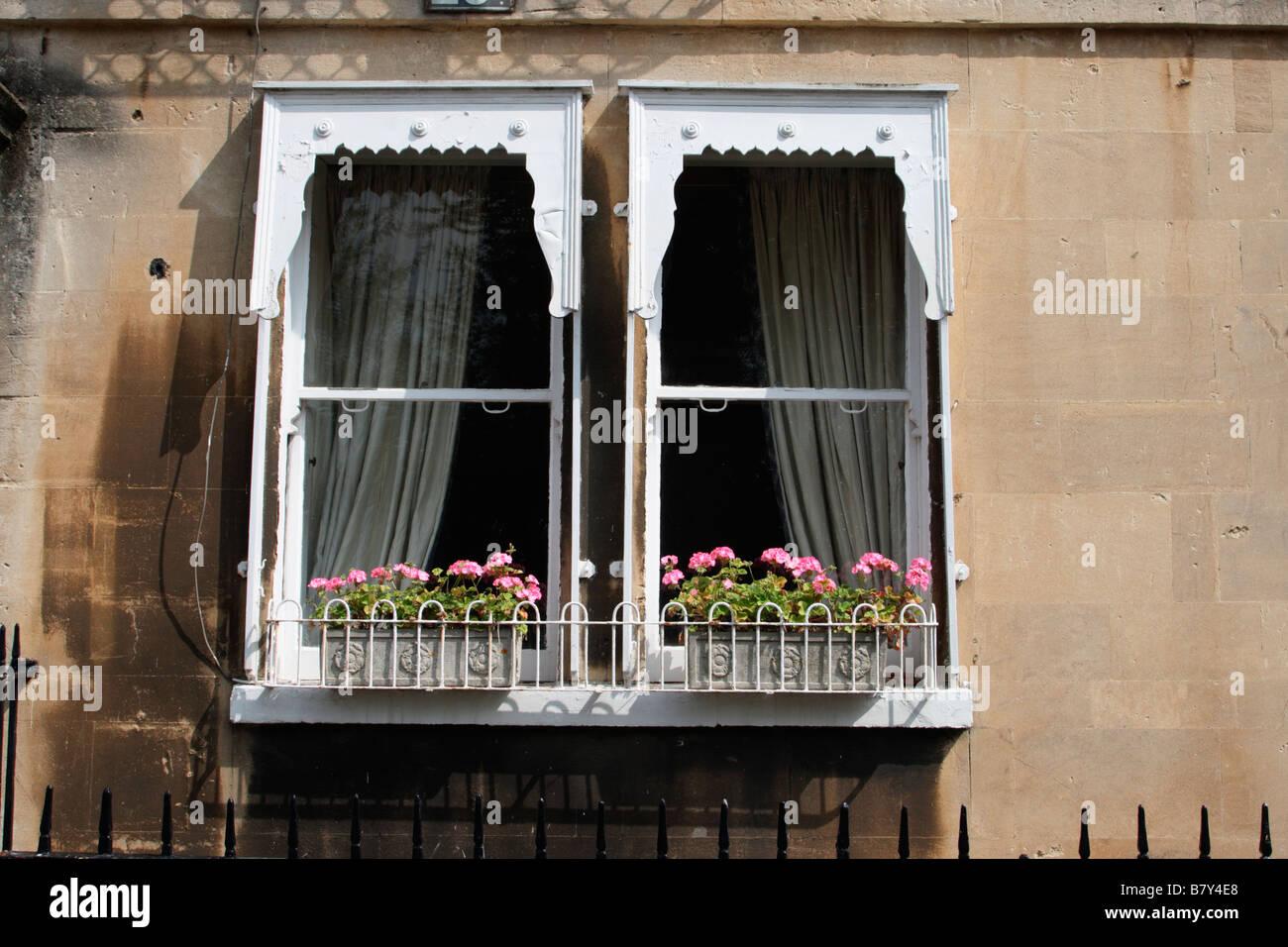 Bath Somerset due vittoriano nel riquadro di due finestre a ...