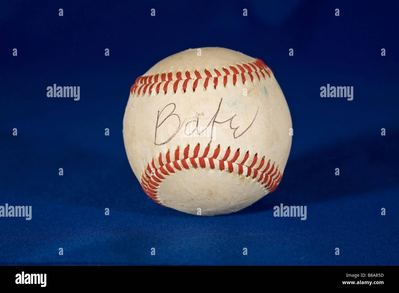 Un autografo di baseball firmata ha portato tanto quanto $ 150 000 all'asta Immagini Stock