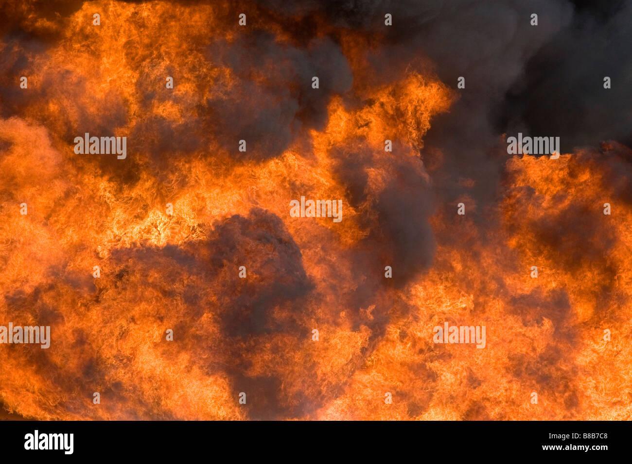 Il combustibile per jet fire in un aeroporto firefigher training facility a Boise Idaho USA Immagini Stock