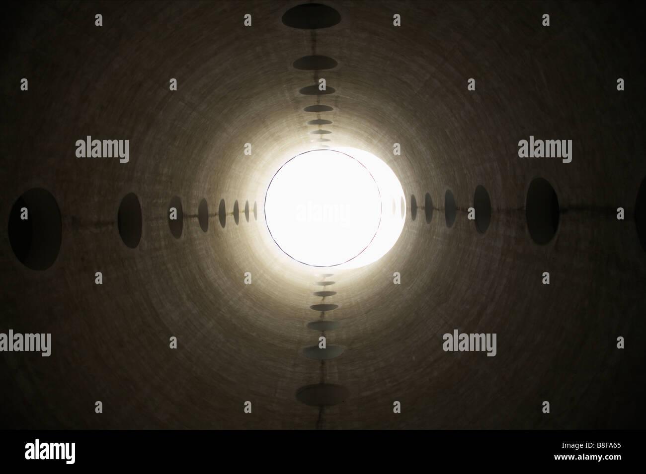 All'interno di una torre a basso angolo di visione Immagini Stock