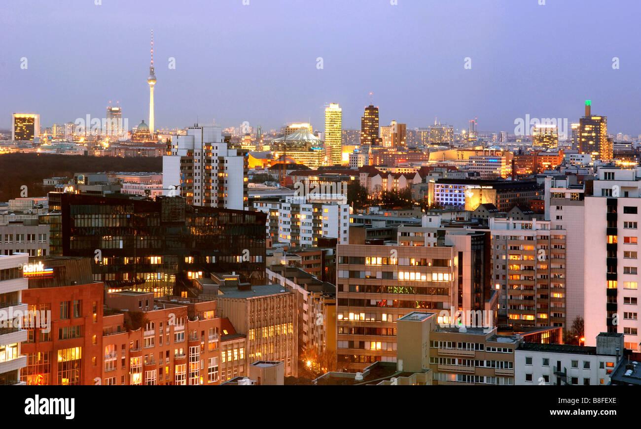 Lo skyline di Berlino Germania Europa capitali viaggi città di destinazione Immagini Stock