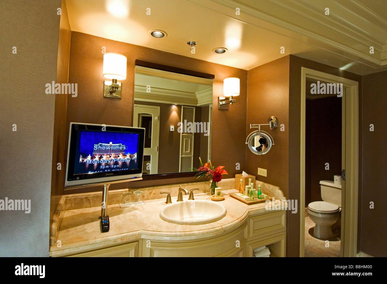 Bagno di lusso con tv con schermo al plasma bellagio hotel las