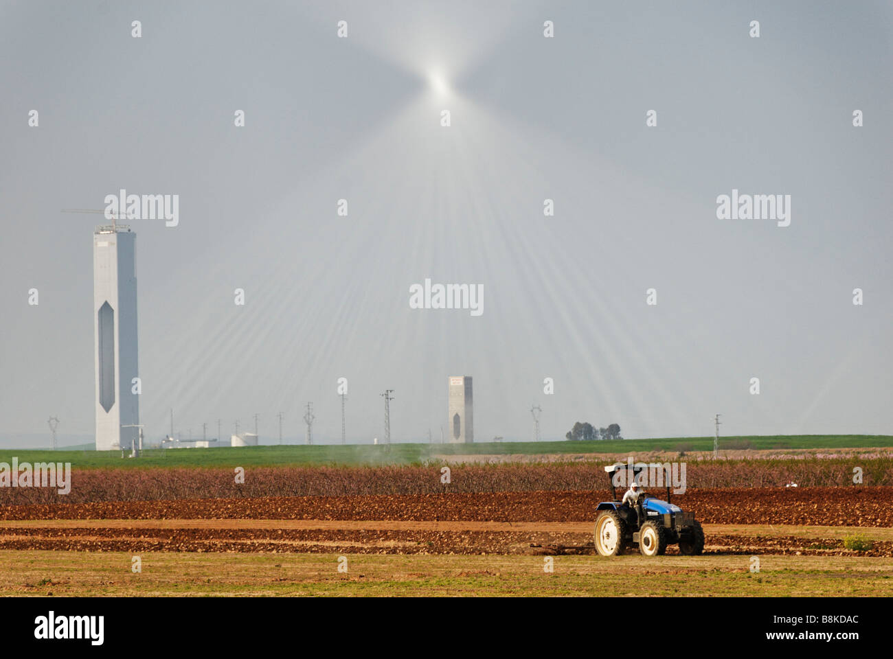 PS20 centrale solare a torre in costruzione produrranno energia termoelettrica dal sole - Abengoa Solúcar Spagna Immagini Stock