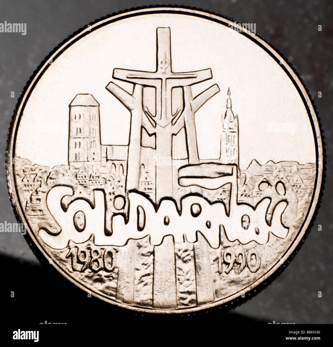 Il polacco 10.000 monete zl 1990 per commemorare i 10 anni di solidarietà Immagini Stock