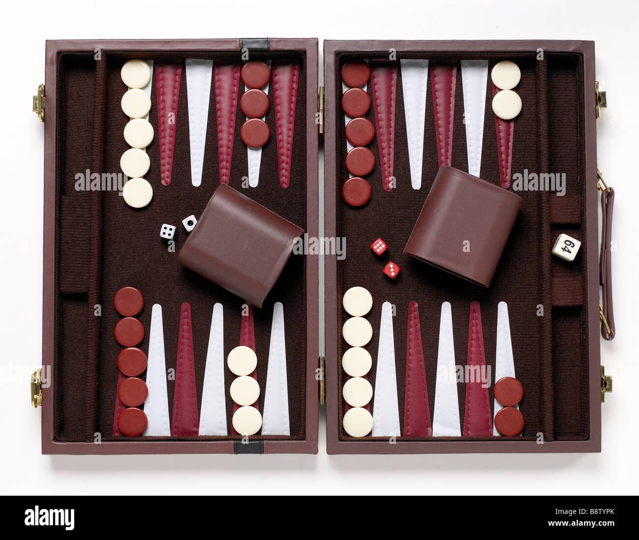 Gioco del Backgammon in elevazione Immagini Stock