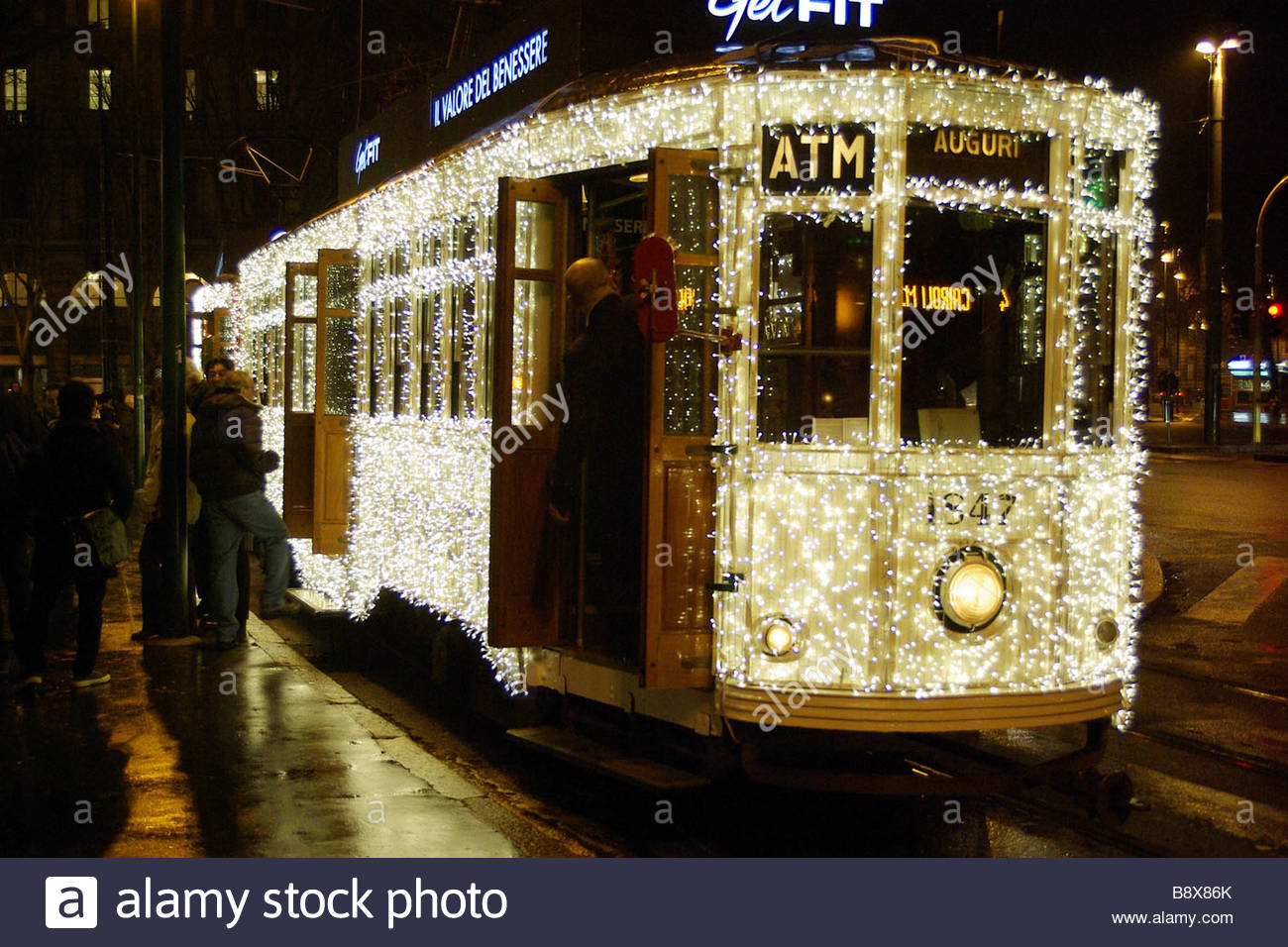 Milano Decorazioni Natalizie.Tram Con Decorazione Di Natale Milano Italia Foto