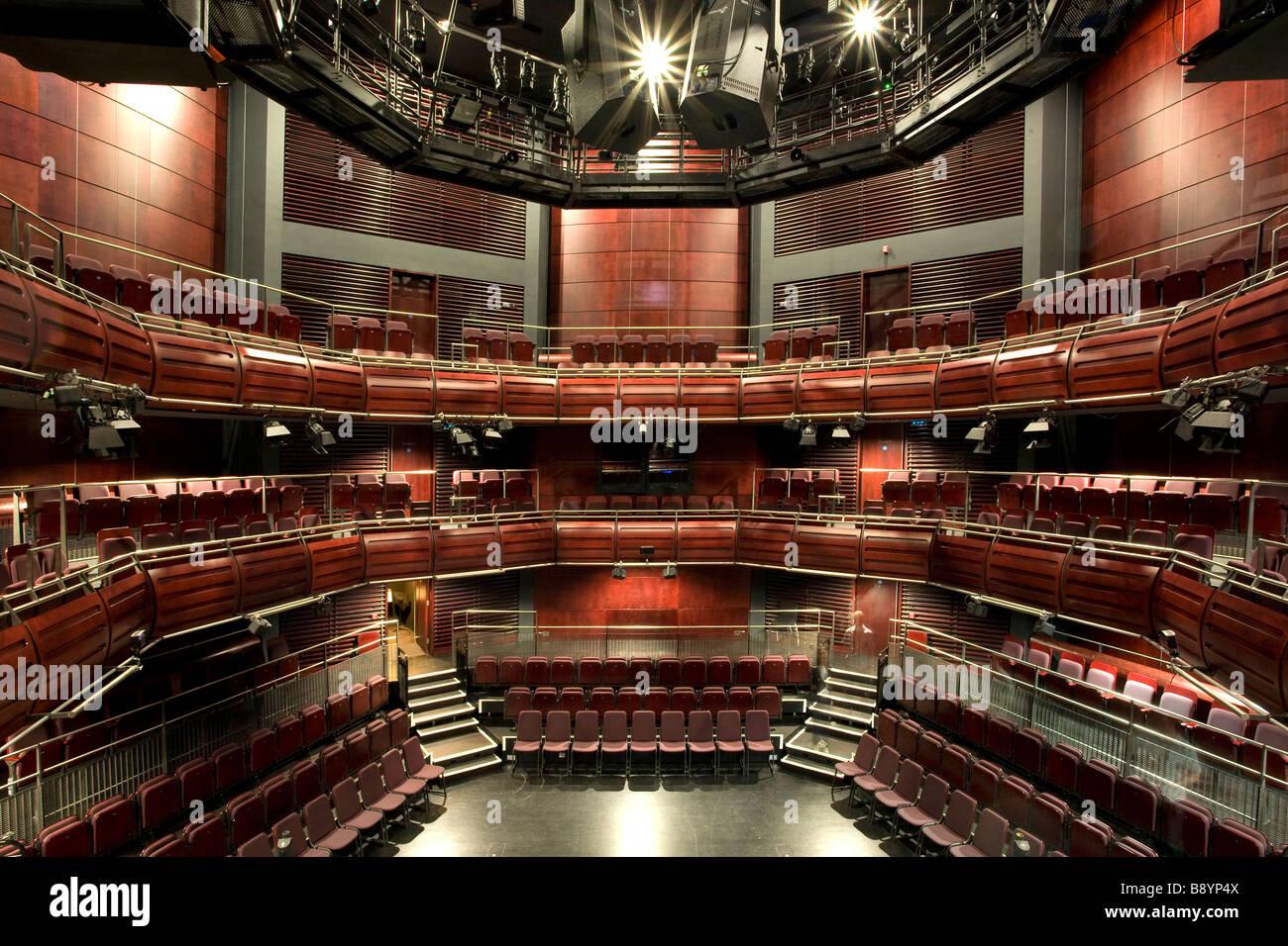 All'interno del padiglione due presso Il Sage Gateshead, Norman Foster la sorprendente music center sulle rive del Foto Stock
