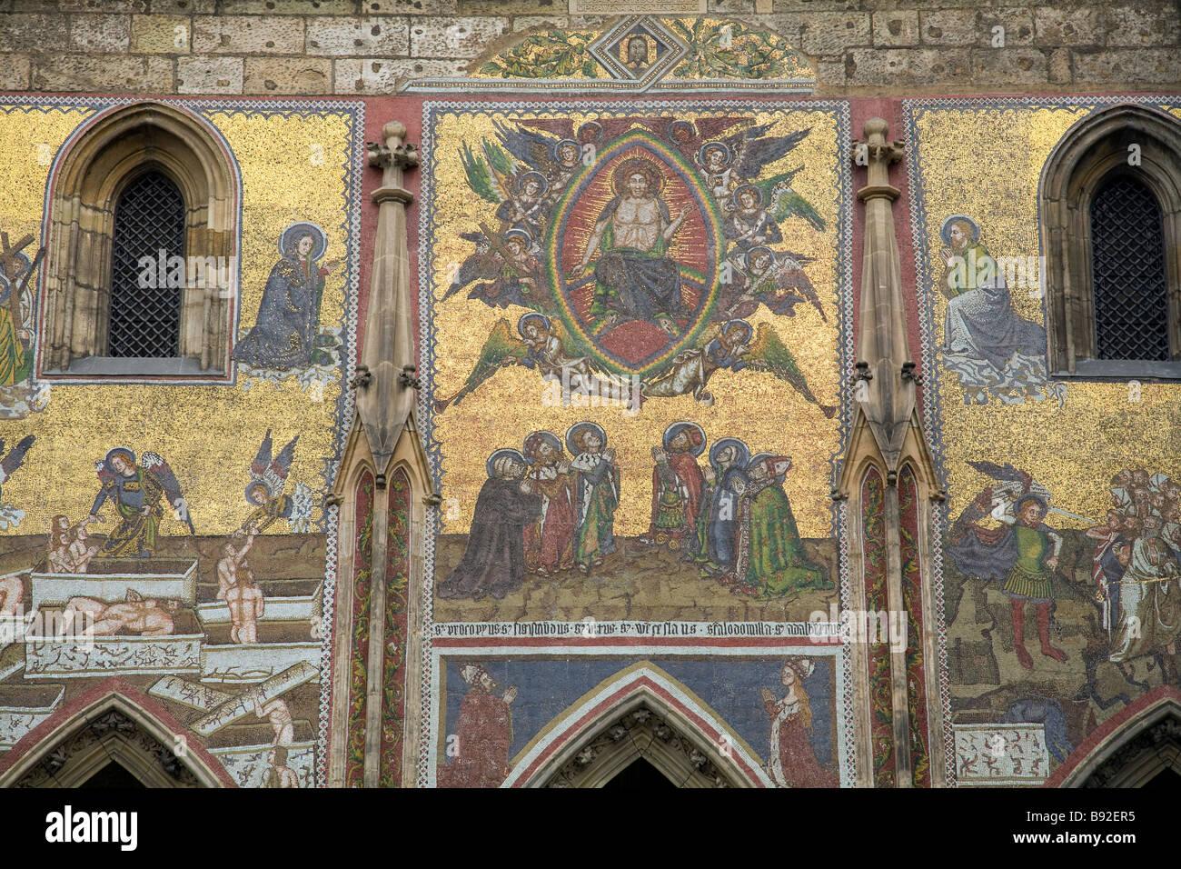 Arte religiosa nel Castello di Praga Prazsky Hrad precinct Praga Repubblica Ceca Immagini Stock