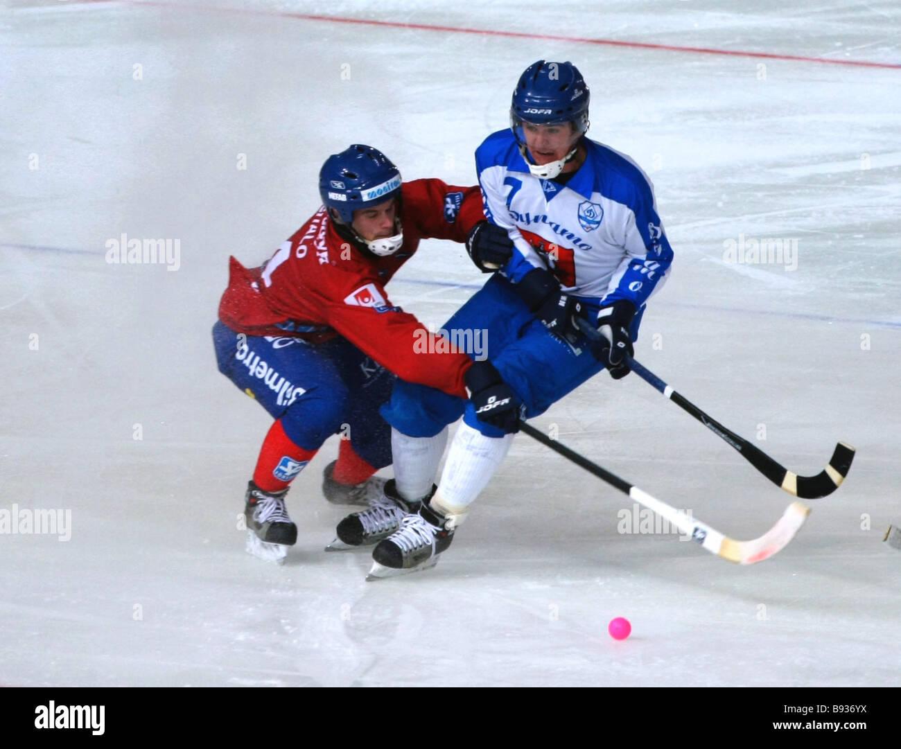 Sergey Lomanov della dinamo destra nella partita decisiva nel Krylatskoye Stadium Edsbyn tra la Svezia e la dinamo Immagini Stock