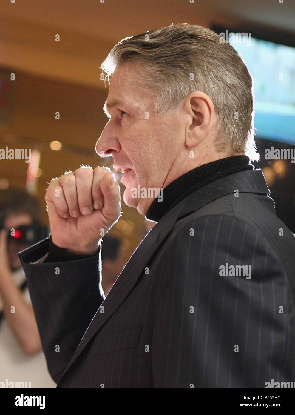 Attore Alexander Abdulov ha svolto un ruolo di primo piano nel film i funerali partito basato sul romanzo di Lyudmila Immagini Stock