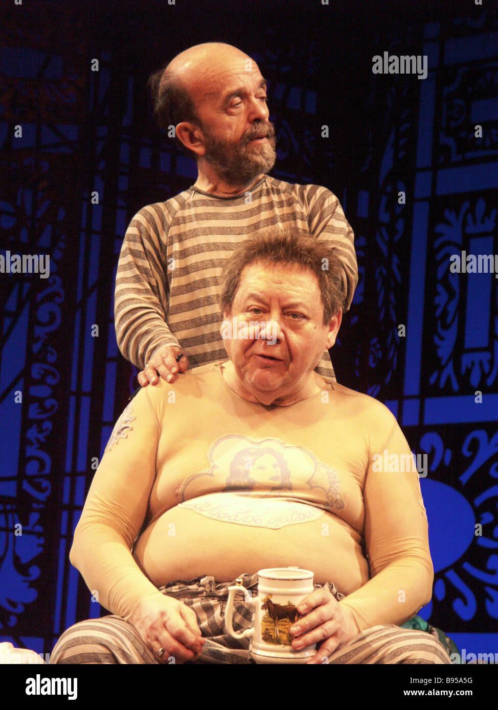 Una scena da tartufo giocato da Oleg Tabakov e Vladimir Fedorov il gioco è messo in scena da Nina Chusova al Immagini Stock