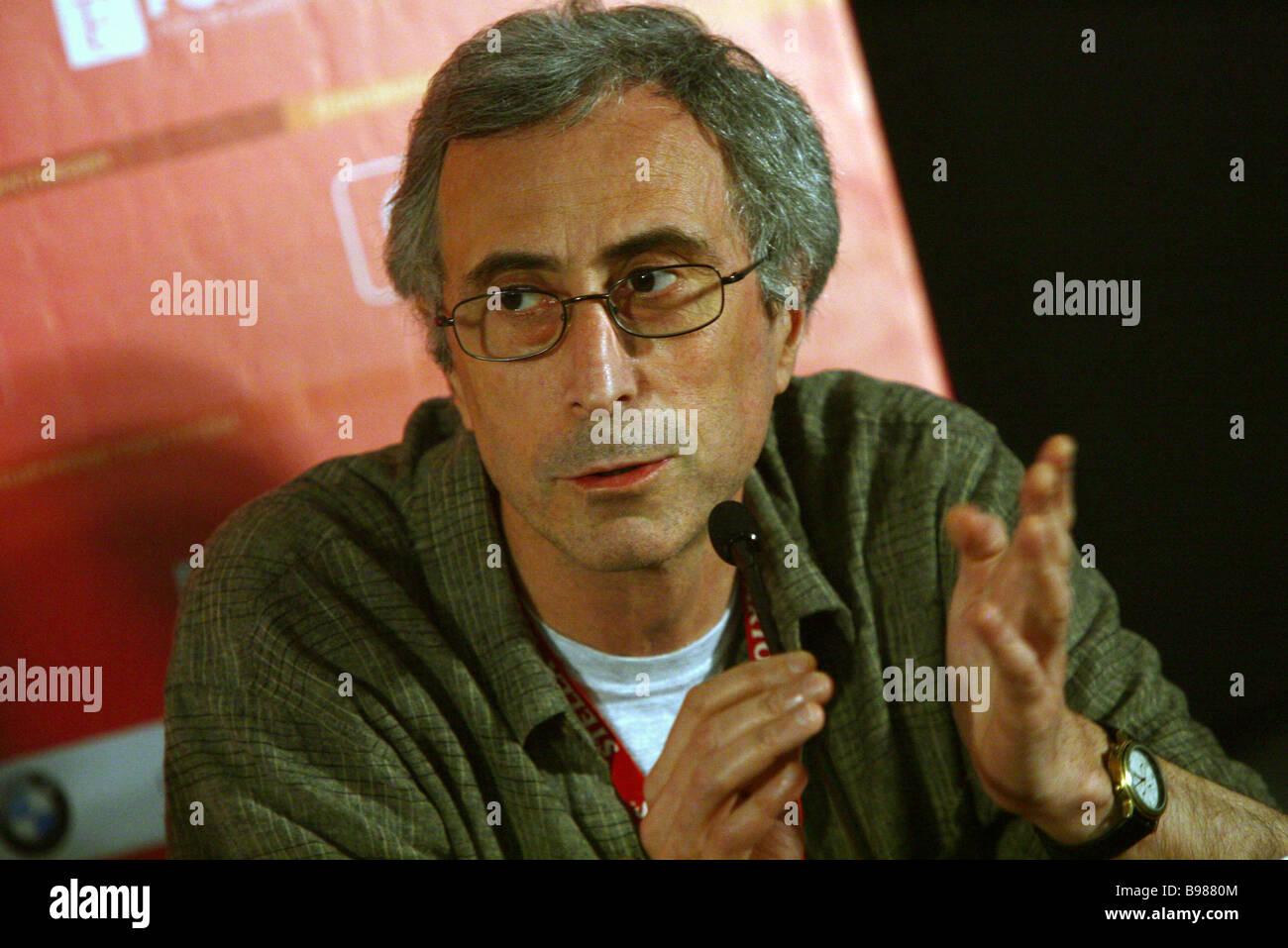 Georgian regista Dito Tsintsadze frequentando news conferenza per il concorso principale giuria del XIX Moscow International Immagini Stock