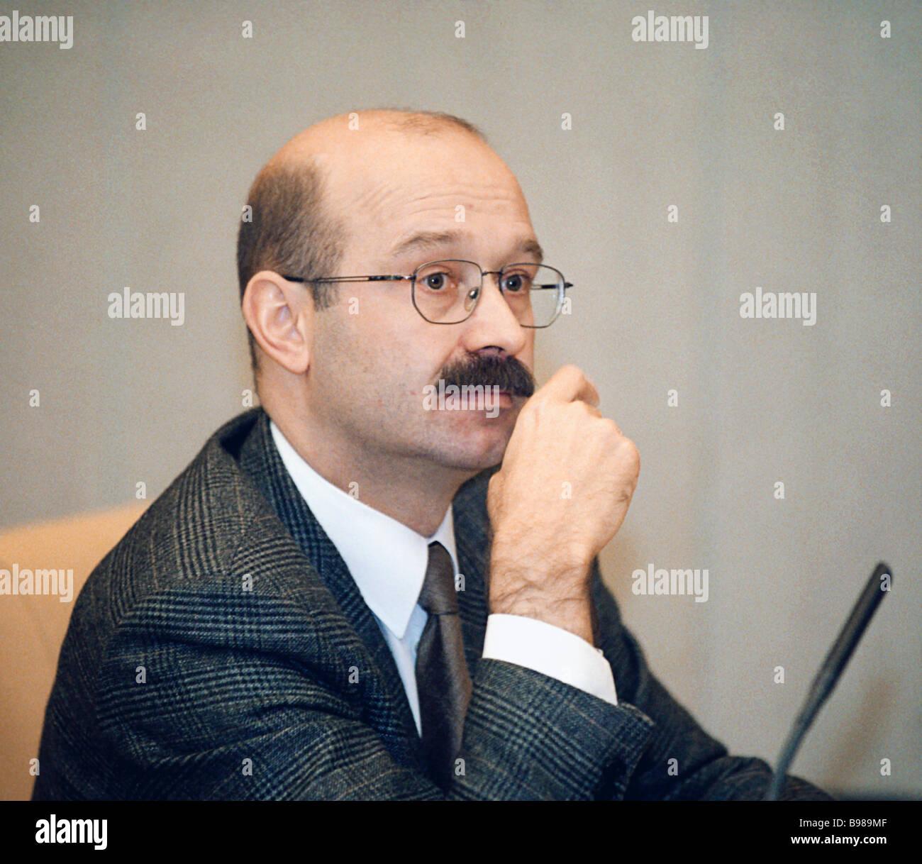 Vice presidente delle questioni relative al bilancio Comitato Zadornov Mikhail all'ultima riunione plenaria Immagini Stock